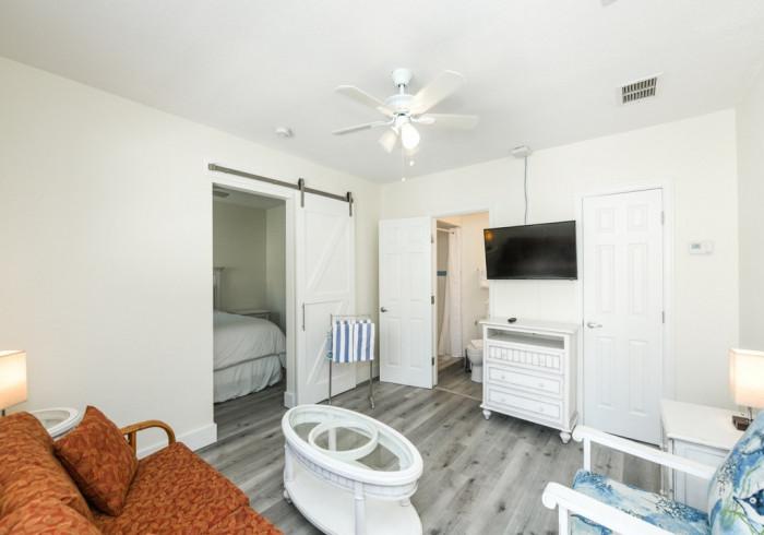 One Bedroom Suite Poolside