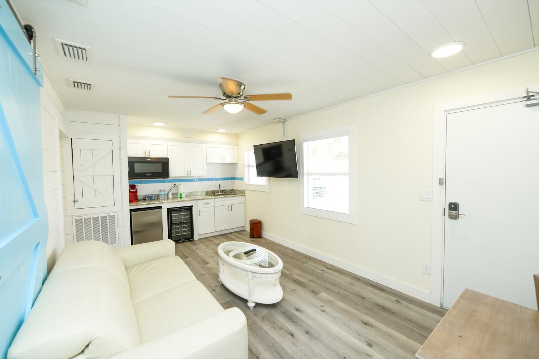 Bunkhouse One Bedroom - Siesta Key Vacation Rentals