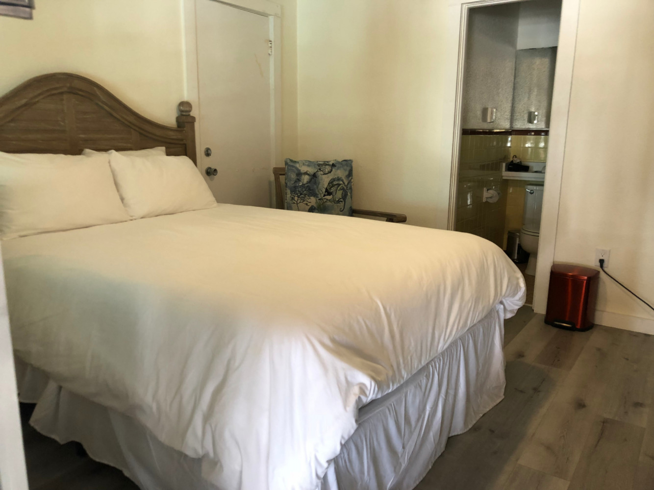 Queen Room - Siesta Key Vacation Rentals