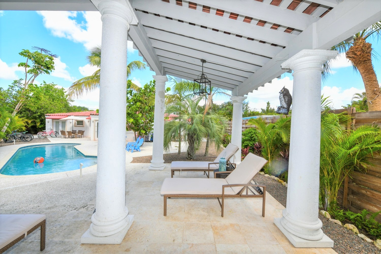 La Perlita West-2 Bedroom, 2 Bath- Sleeps 6 - Siesta Key Vacation Rentals