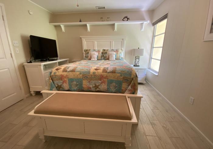 Premium 1 Bed-1 Bath Queen Bed