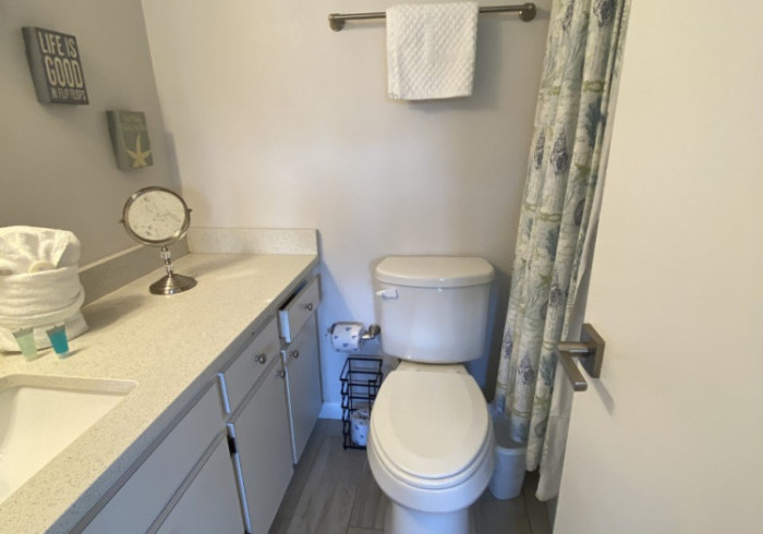 343-Premium 2 Bed 2 Bath Bayside