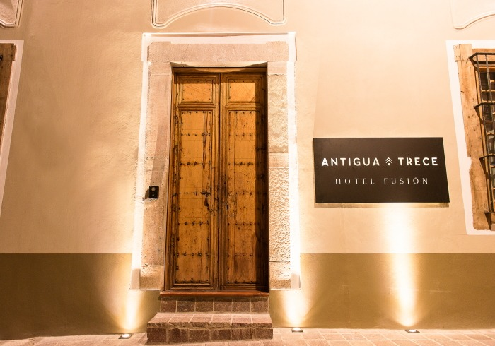 Hotel Fusión Antigua Trece