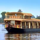 Upper Deck Houseboats