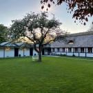 Kirsebærkroen - The Inn Between