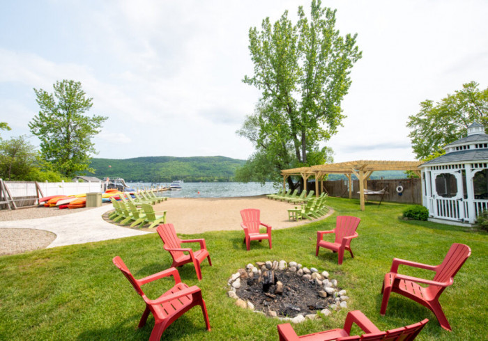 Shore Meadows Lodge